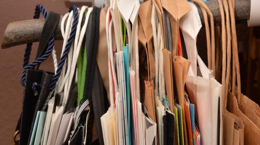 Carte - konmari method - immagine in CC pubblicata da tatianaberlaffa.com