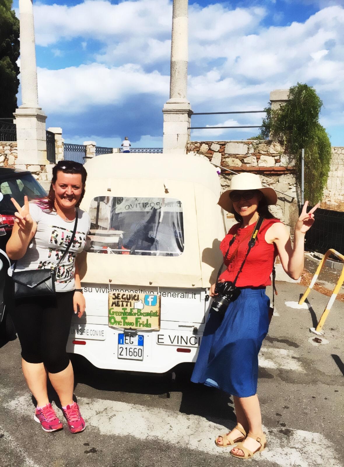 The GIRA: Tatiana e Nicoletta a Taormina - foto di tatianaberlaffa.com