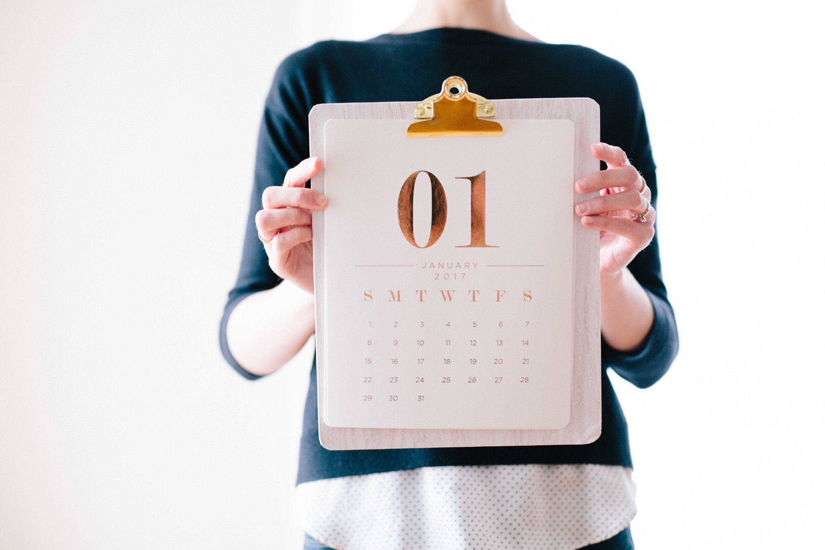 Calendario tra le mani di una donna - foto in CC tatianaberlaffa.com