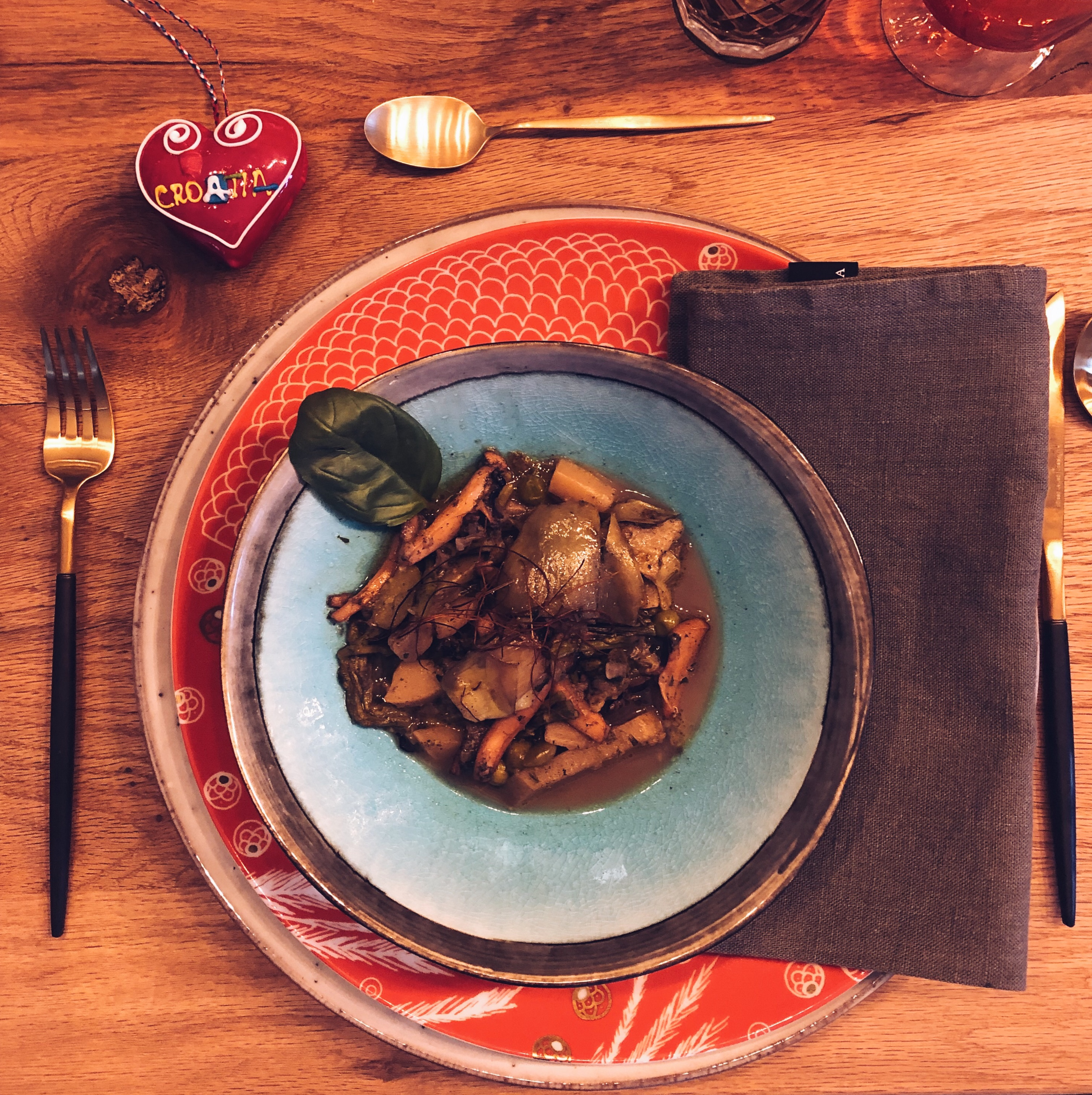 Guazzetto di seppie - piatto tipico della cucina mediterranea croata