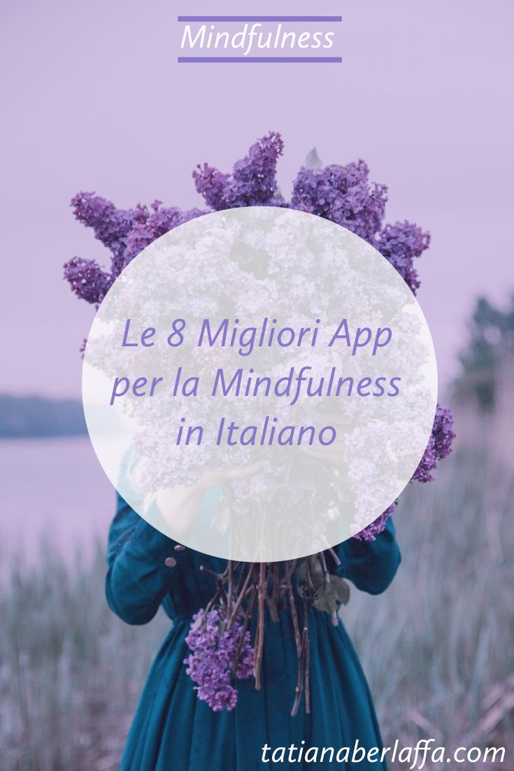 Le 8 migliori App Mindfulness gratuite e anche in italiano - Donna che regge un mazzo di lillà - tatianaberlaffa.com