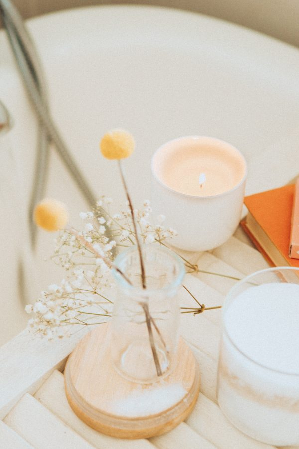 bagno profumato con candele - 5 modi per prendersi cura di sé - tatianaberlaffa.com