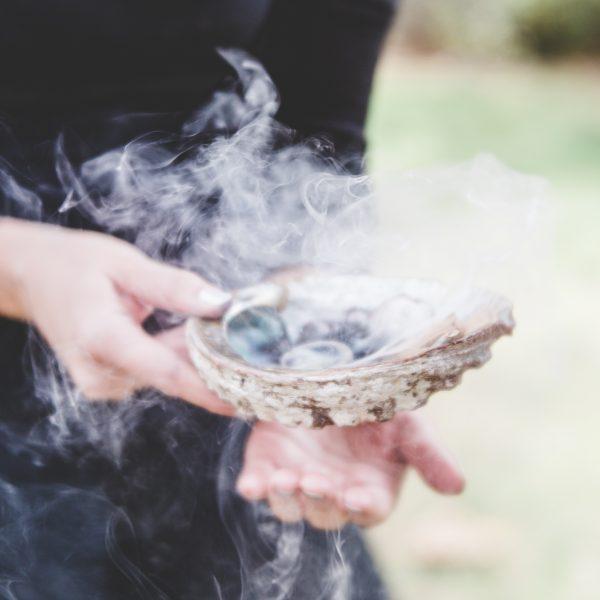 Usi delle proprietà magiche delle piante, delle erbe e degli incensi